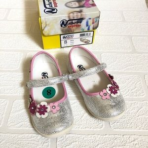 Naturino Silver and Flower Dress Shoes